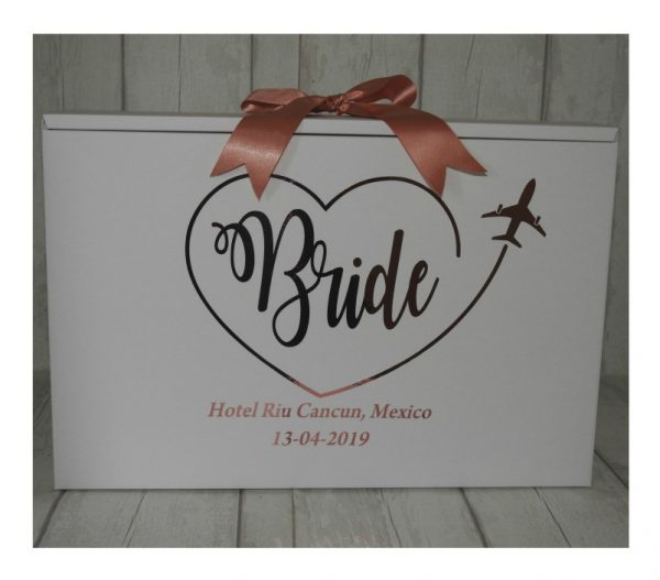 bride box in heart travel box