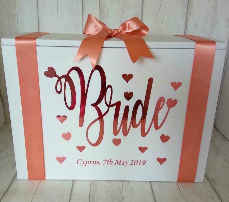 bride wqith hearts travel box